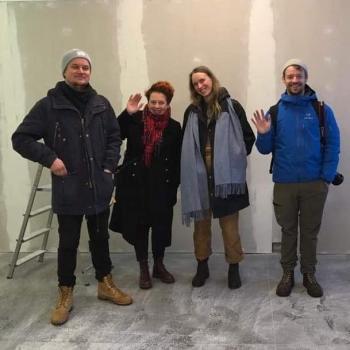 pesula interiör med konstnärer
